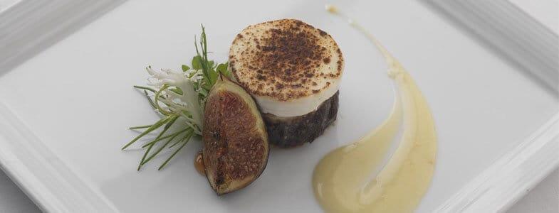 recette végétarienne tarte à l'oignon, camembert, figues