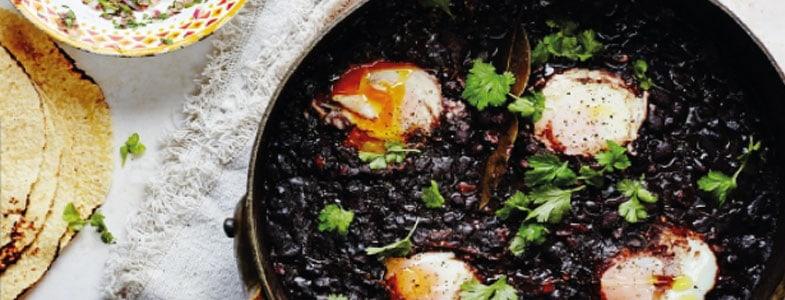 Recette ragoût haricots noirs et oeufs pochés