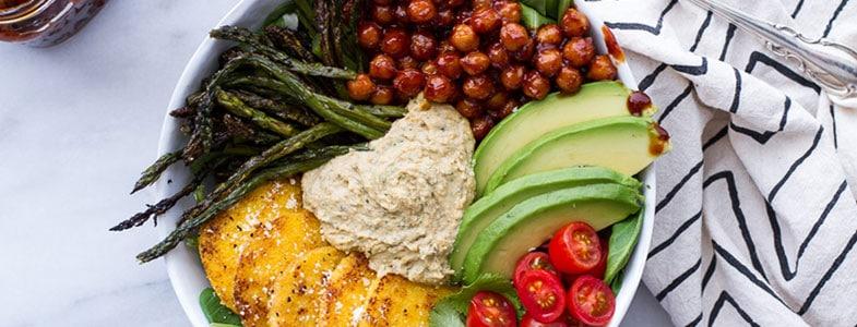 Recette Buddha Bowl polenta, asperges, pois chiches
