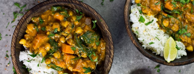 Curry patate douce, pois chiches et épinards