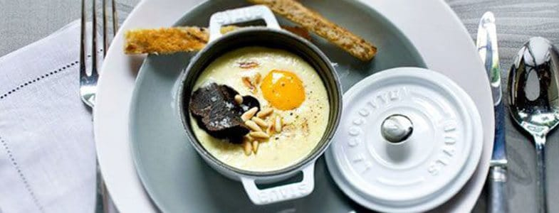 Recette végétarienne - Oeufs cocotte aux truffes et pignons