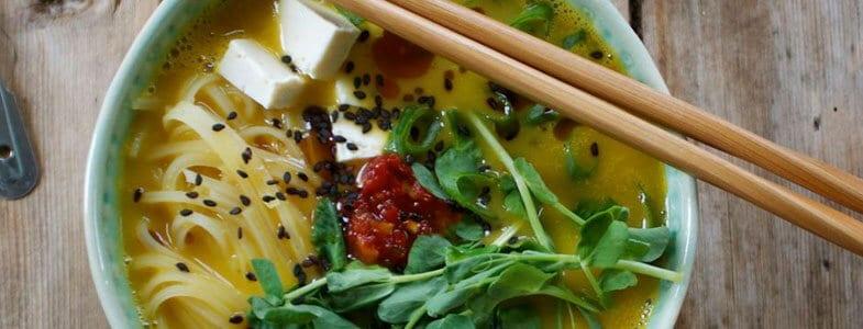 Recette végétarienne – One Pot Nouilles de riz, tofu