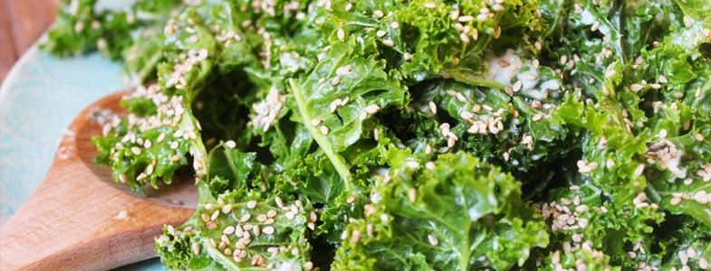 Recette végétarienne – Salade de chou Kale vinaigrette orange
