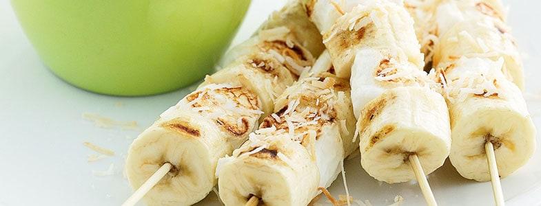 Brochettes de bananes et noix de coco