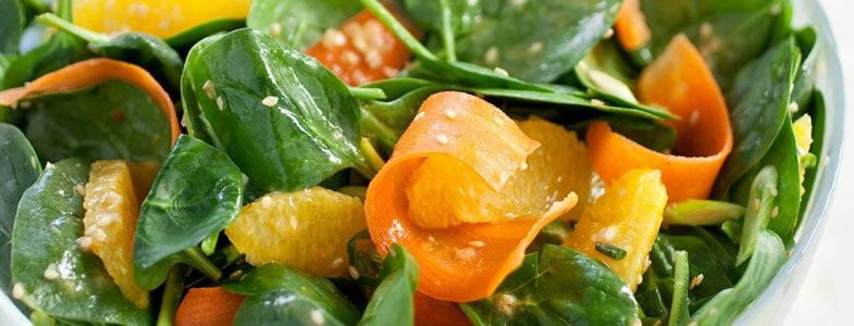 Salade pousses d'épinards, carottes et orange