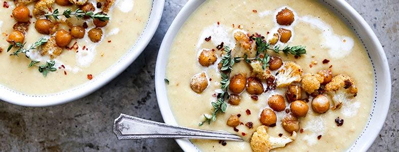 Soupe de chou fleur et pois chiches grillés