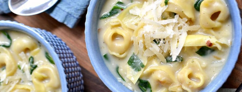 Soupe crémeuse aux artichauts et épinards