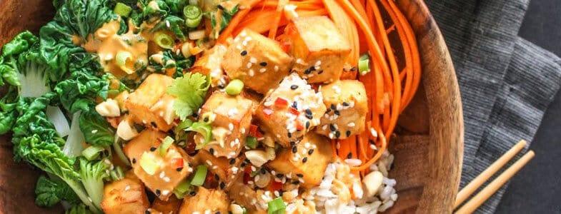 Buddha Bowl Thaï au tofu et légumes