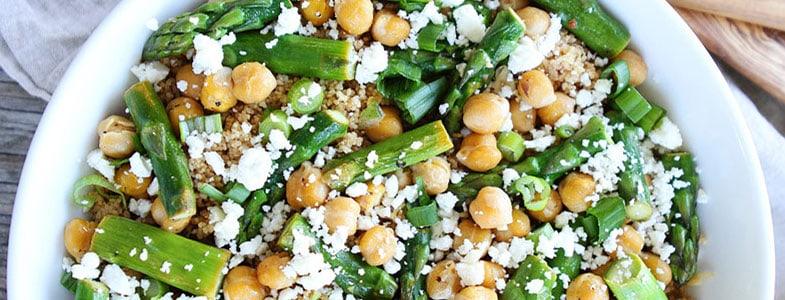 Salade de quinoa, pois chiches et asperges