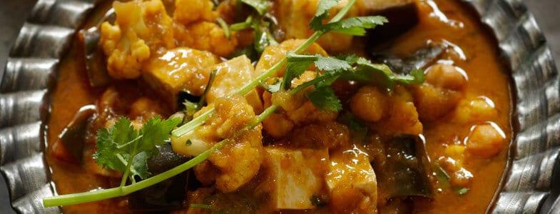 Curry de tofu, aubergines et chou-fleur