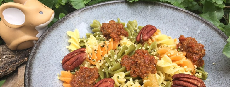recette vegetarienne pates multicolores pesto rouge