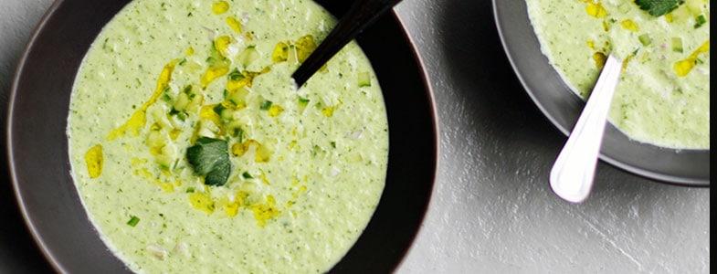recette-vegetarienne-soupe-concombre-yaourt