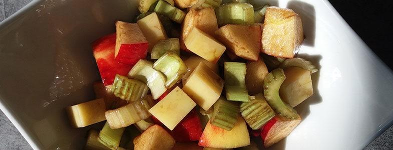 Salade de céleri, pommes et dés de comté