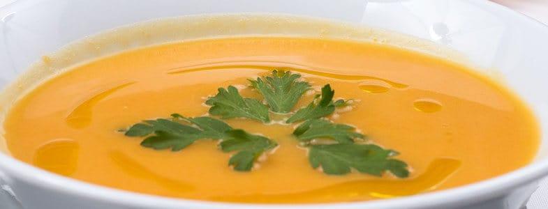 Soupe froide de carottes au lait de coco et cardamone