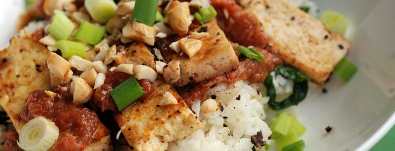 Tofu sauté et sauce à la rhubarbe