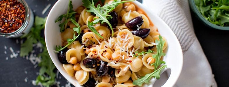 One pot orecchiette, pois chiches et olives