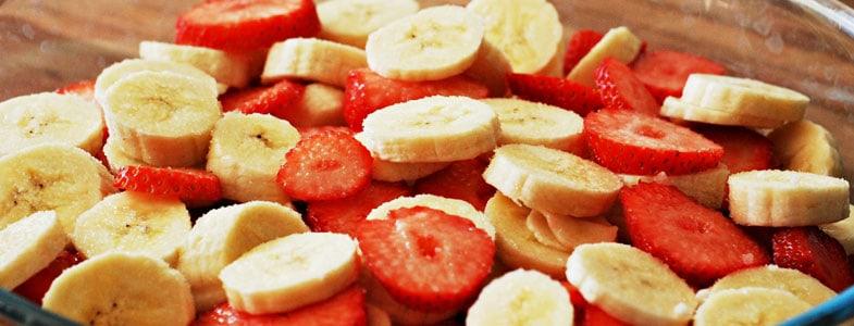 Salade fraises, banane et citron