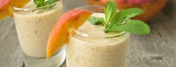 recette-vegetarienne-smoothie-banane-peche