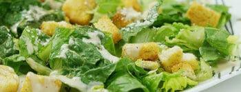 recette végétarienne salade croutons ail