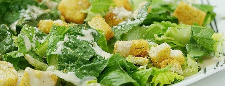 Salade vinaigrette et croûtons à l'ail