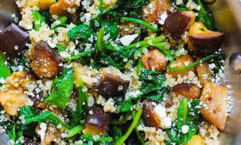Recette végétarienne – Aubergines rôties, épinards, feta et quinoa