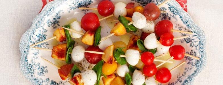 recette vegetarienne brochettes tomates mozzarella peche