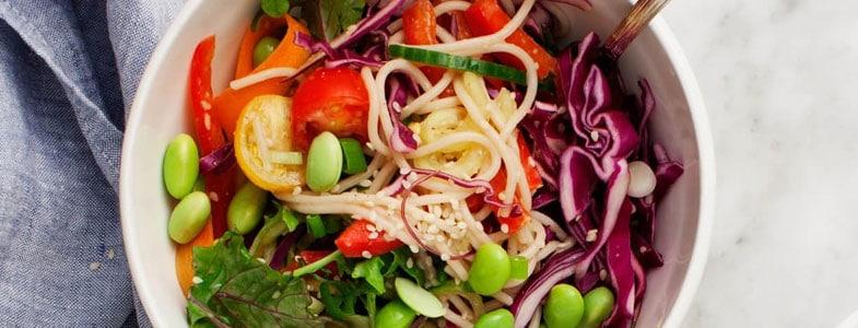 recette-vegetarienne-buddha-bowl-arc-en-ciel