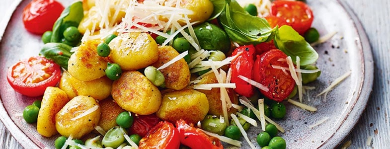 recette-vegetarienne-gnocchis-feves-petits-pois-tomates