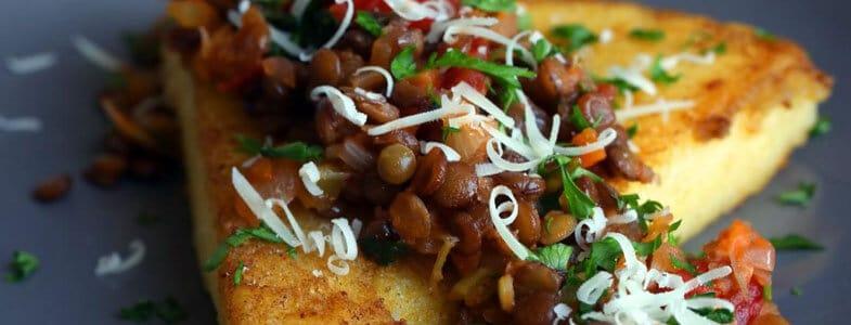 Polenta aux lentilles et tomates