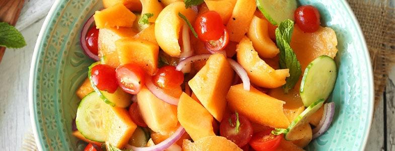 Salade de melon, concombre et tomates cerises