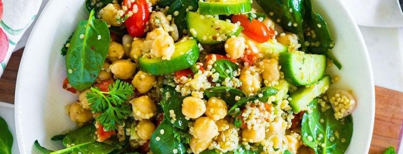 Salade quinoa et pois chiches d'été