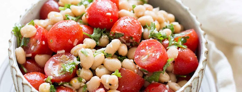 recette-vegetarienne-salade-tomates-haricots-blancs