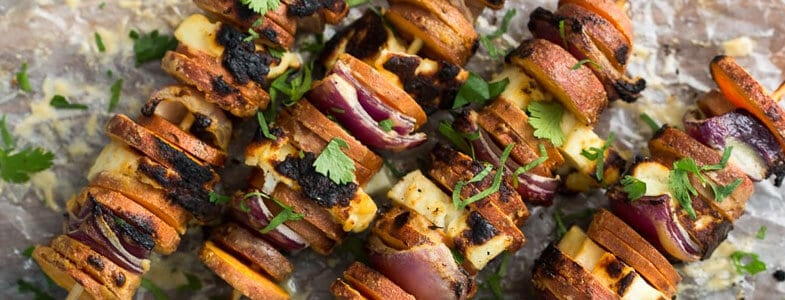 recette-vegetarienne-brochettes-patate-douce-halloumi