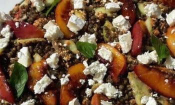 Recette végétarienne – Lentilles aux nectarines et pesto de poivron rouge