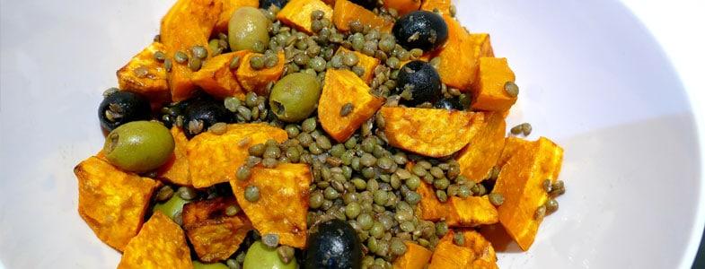 Lentilles aux patates douces rôties et olives