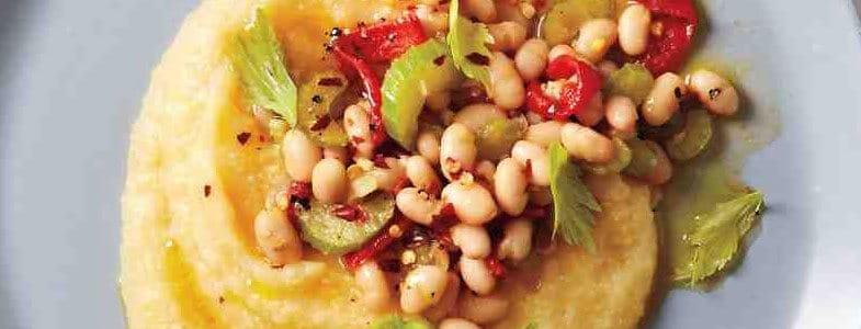 Polenta aux haricots blancs et poivrons rôtis