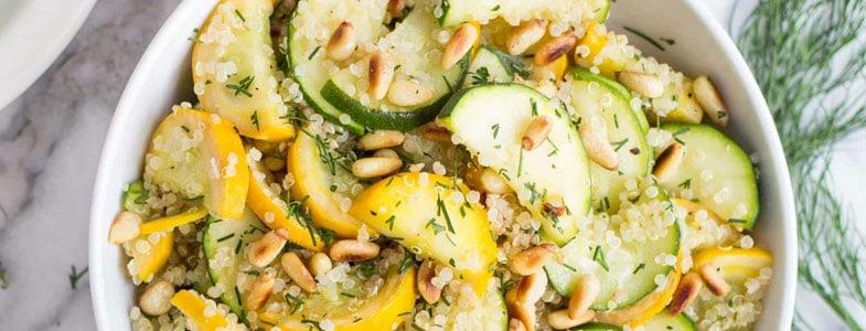 Quinoa aux courgettes et pignons de pin