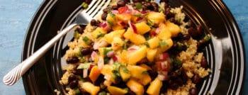 recette-vegetarienne-quinoa-haricots-noirs-peches