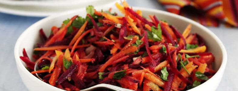 Salade de betteraves et carottes râpées