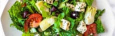 recette-vegetarienne-salade-grecque-tofu