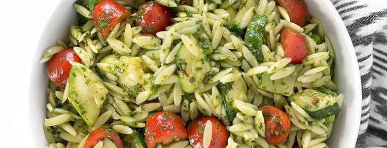 recette-vegetarienne-salade-orzo-courgettes-tomates-cerises