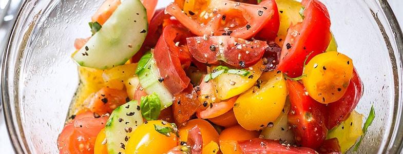 recette-vegetarienne-salade-tomates-concombre