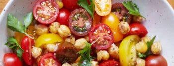recette-vegetarienne-salade-tomates-pois-chiches