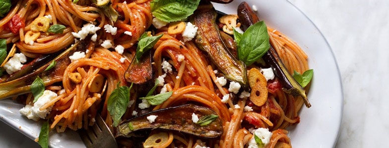 recette-vegetarienne-spaghettis-aubergines-roti-ail