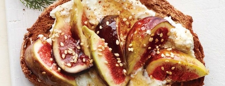 recette-vegetarienne-toasts-figues-ricotta