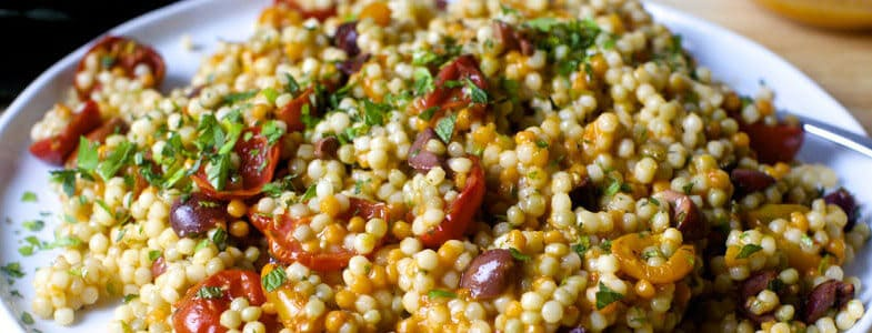 recette-vegetarienne-couscous-perle-olives-tomates-roties