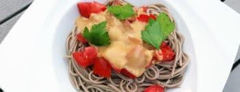 recette-vegetarienne-nouilles-soba-tomates