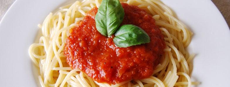 recette-vegetarienne-spaghettis-sauce-tomate