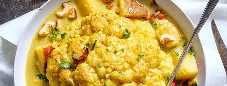 Curry de chou-fleur entier