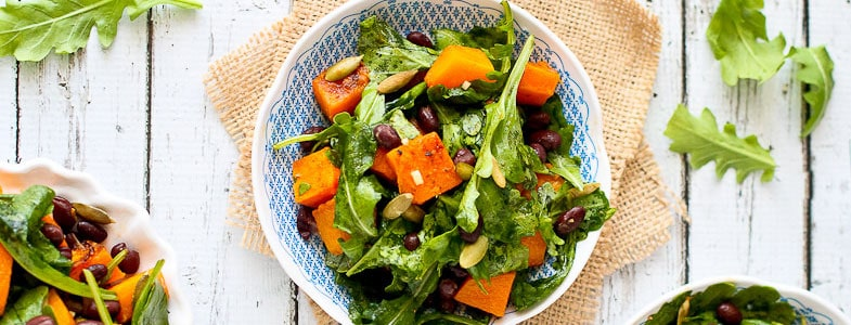 recette-vegetarienne-salade-courge-rotie-haricots-rouges